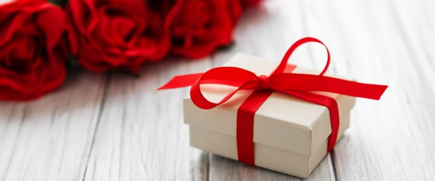 Подарунки бабусі на 8 березня