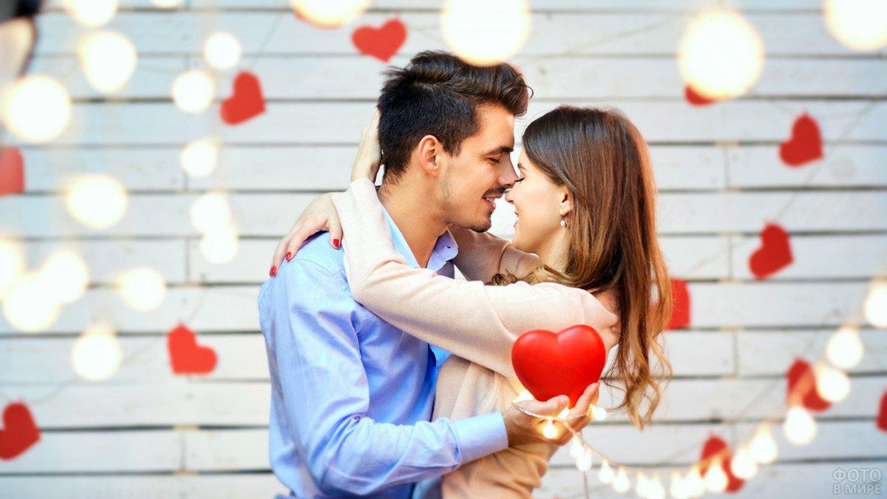 Что подарить парню на годовщину отношений: идеи подарков от Donum