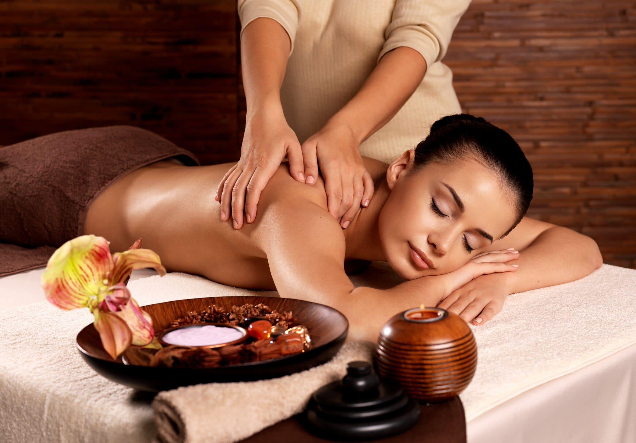 Топ 10 популярних видів масажу, прийоми і методики